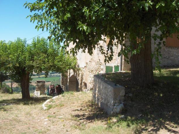 Casale rustico in Umbria per coppie con camino