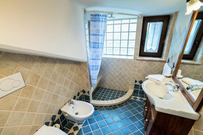 Appartamento Bianco secondo bagno privato con doccia
