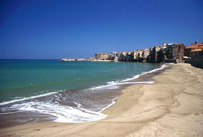 Hotel near the sea in Cefalù