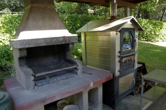 Casale con barbecue a Corciano