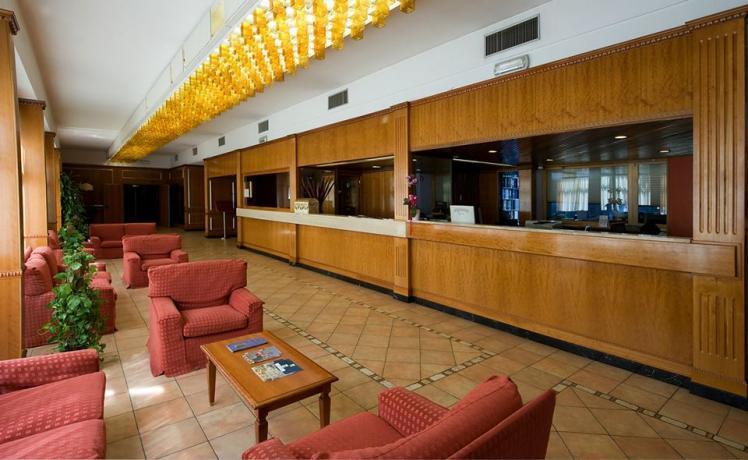 hotel-gruppi-piscinaolimpionica-ristorante-convegni-sport-trevi-foligno-umbria