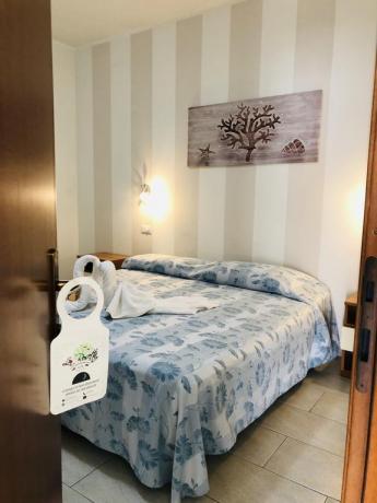 Camera-Matrimoniale-Standard in Hotel vicino al mare a Latina