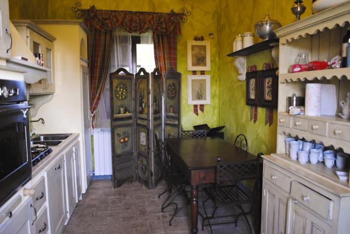 Cucina in Villa con Piscina e Suite