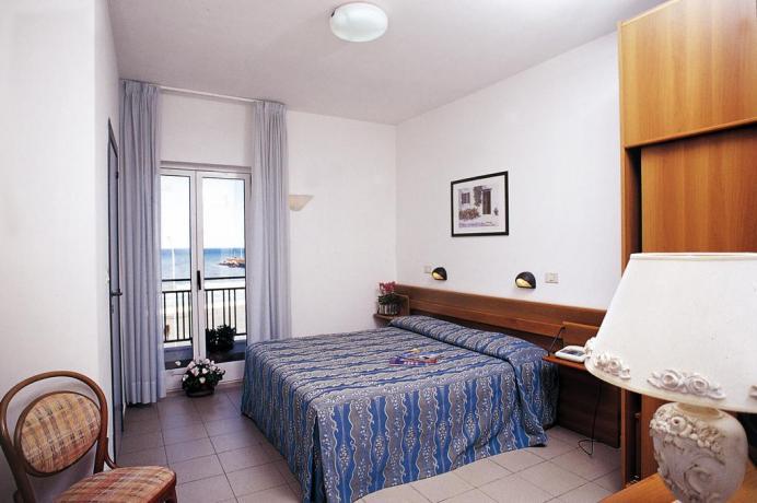 Camera con vista mare hotel a Rodi Garganico