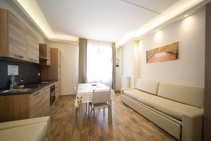Appartamenti-vacanze Bardonecchia per famiglie 3-4persone soggiorno e cucina