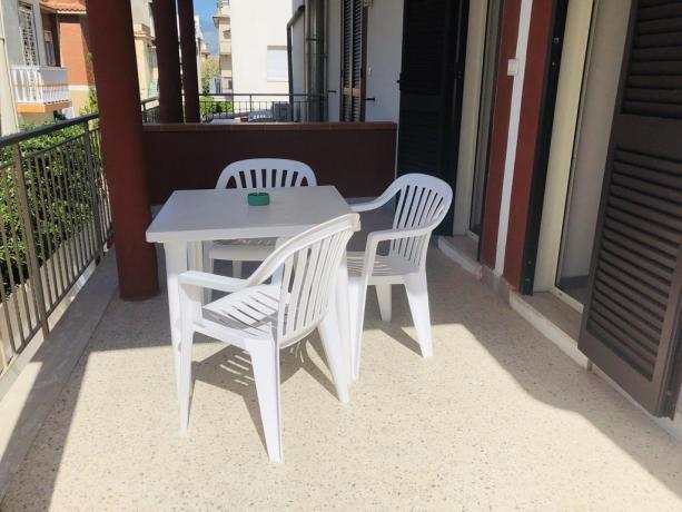 Hotel vicino Latina Camera con Balcone-davanti-al-mare