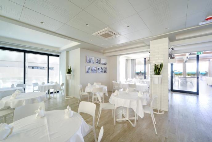 Sala colazioni del Family Hotel a Pesaro
