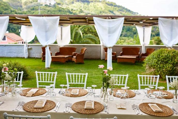 Matrimonio all'aperto con rito-civile in Villa a Pellazzano