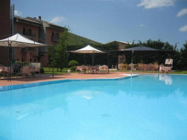 Piscina in elegant Hotel ad Avezzano L'Aquila