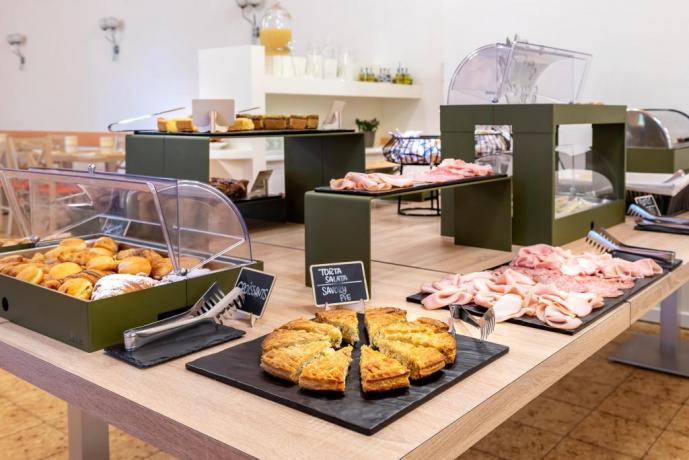 Buffet colazioni hotel3stelle vicino al mare Rimini