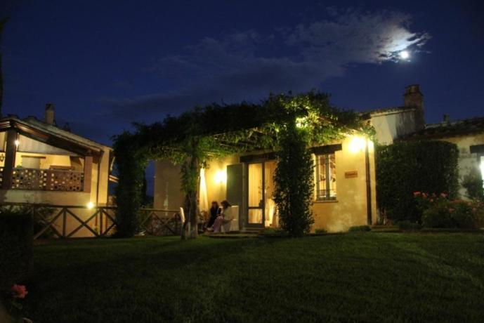Casale Vacanze + portico immerso nel verde Umbro