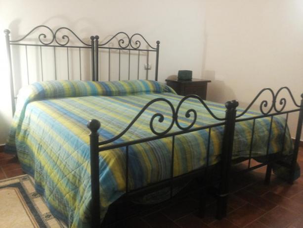 Camera matrimoniale a Montefalco con Piscina esterna