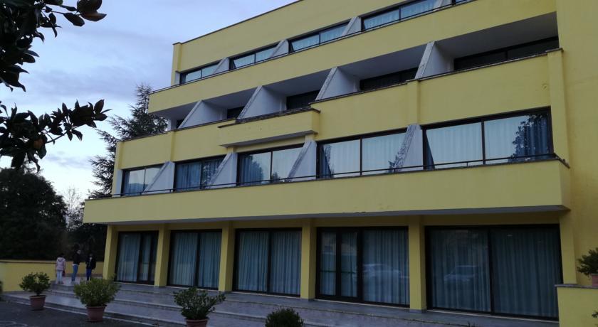 Hotel 4 Stelle vicino Pomezia e Zoo Marine