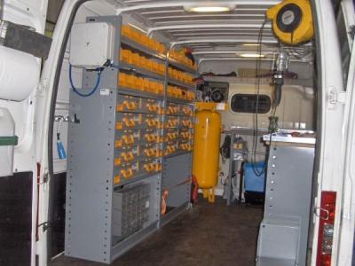 Mobile completo di compressore verticale