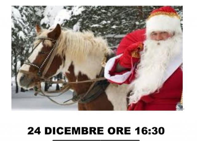 Arriva Babbo-Natale con il Pony e tanti doni