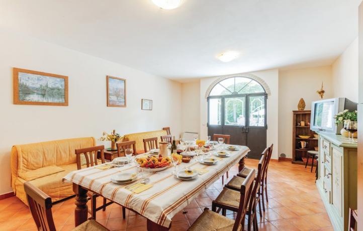 Casale Penta 15/23persone grande salone con cucina