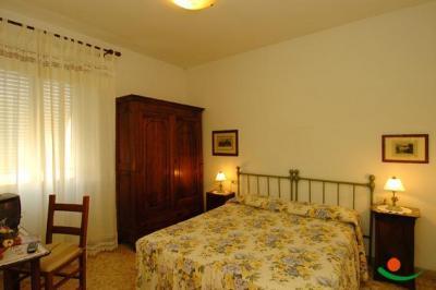 Dormire a Saturnia vicino alle Terme - Camere in Centro con Interne Gratis.