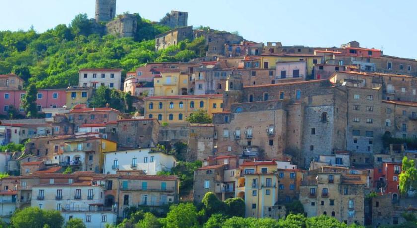 Castello di Riardo vicino hotel Casertano