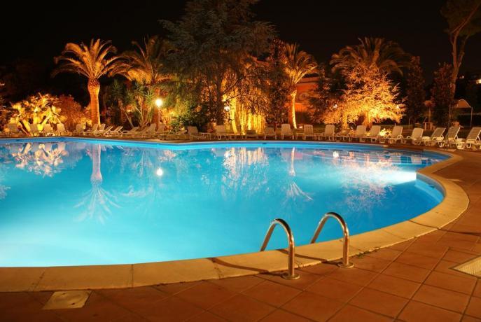 hotel con piscina acqua bassa per bambini Anzio