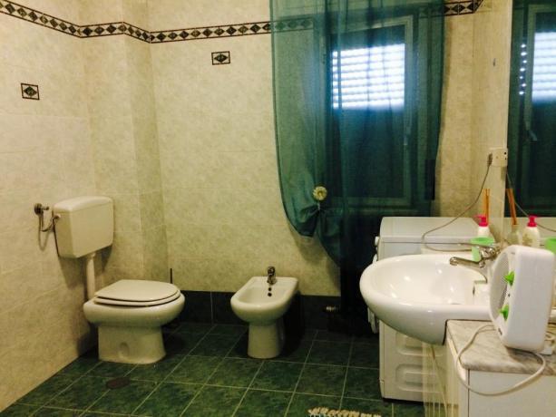bagni delle camere matrimoniali di B&B Taranto