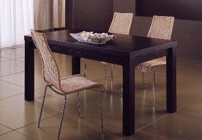 Tavoli e sedie da interno in vimini mobili vimini e bambu for Prezzi bambu giganti