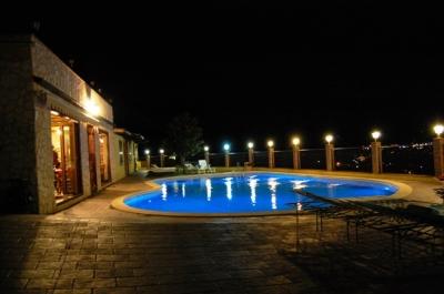 offerta Luglio CountryHouse con piscina a Trevi Umbria