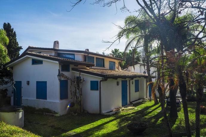 Camere, Appartamenti vista Lago di Paola, per famiglie