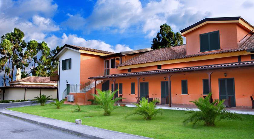 Camere a piano terra con spazio esterno privato