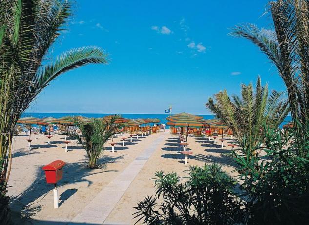 In spiaggia, dormire a San Benedetto del Tronto