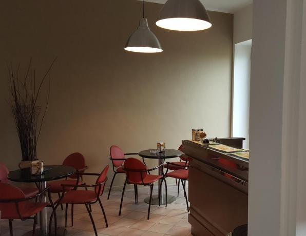 Albergo a Fano con bar e ristorante interno