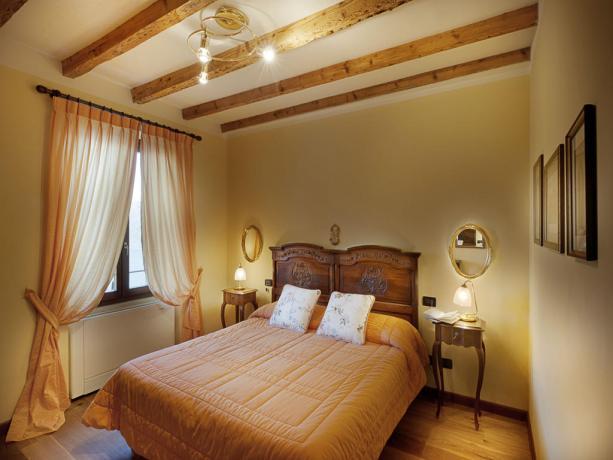 Villa con Suite romantiche sul Lago