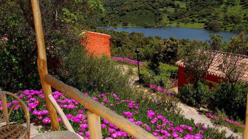 Vista Lago Lisca Resort4Stelle vicino Costa Smeralda