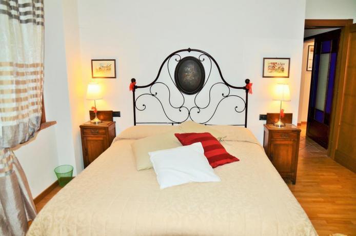 Camera da letto con letti singoli o matrimoniali