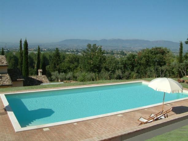 Agriturismo con Piscina vicino Spoleto