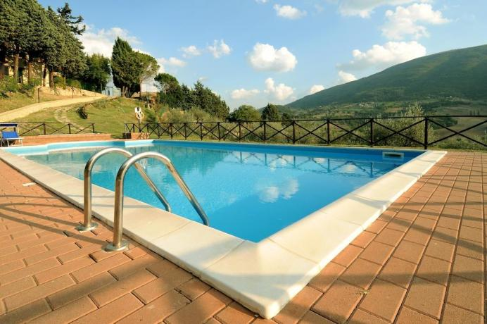 Assisi in Umbria Piscina con Vista Panoramica