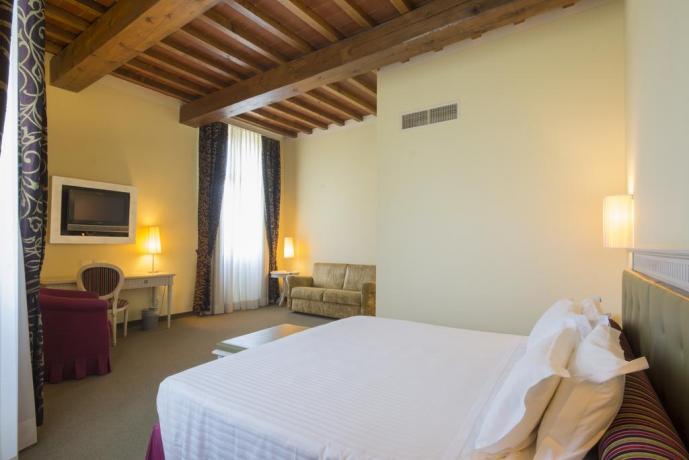 Camera e colazione hotel San Gimignano