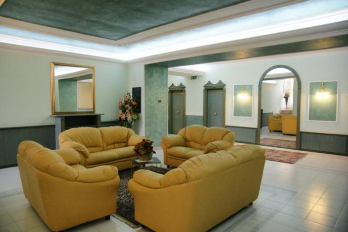 Sala lettura Hotel4stelle Artena-Lucana