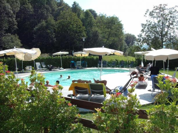 Piscina all'aperto ideale per bambini e adulti