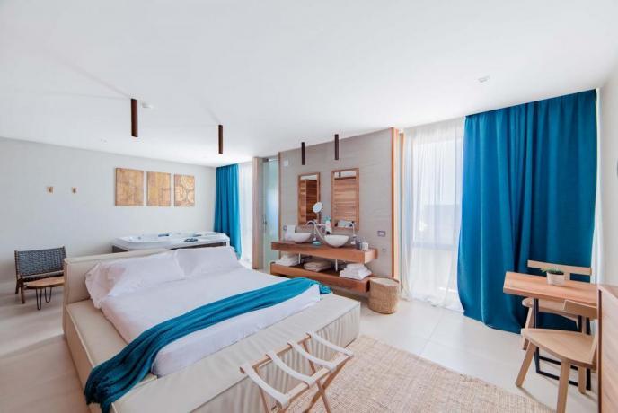 Suite familiare con vasca idromassaggio resort4stelle Baia-Domizia