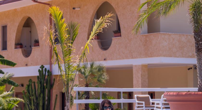 Facciata dell'hotel in Calabria