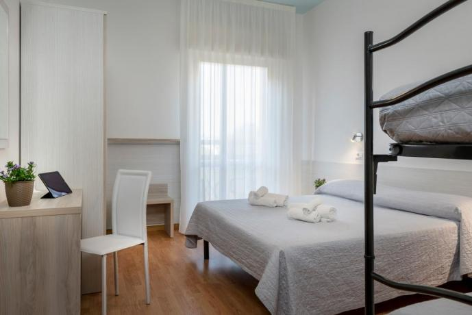 Camera standard per famiglie hotel 3stelle Igea-Marina