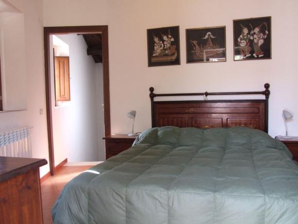 Camera Matrimoniale appartamenti a Fontecchio