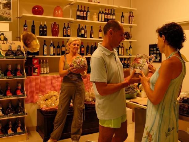 Villaggio con Area Shopping in Puglia