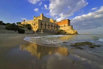 Visita il castello di falconara provincia ancona alberghi bb agriturismi vicino a falconara - Piscina falconara marittima ...