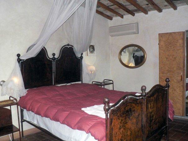 Camera appartamento Rosso relais Calenzano