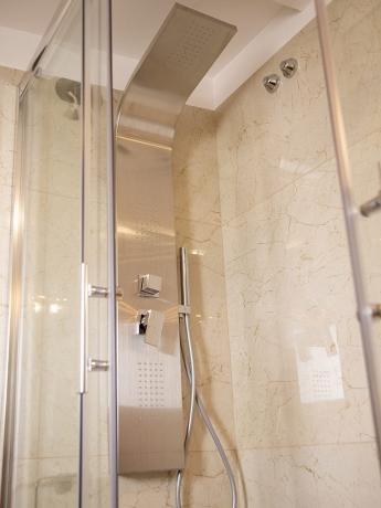 Bagno privato Suite hotel 4stelle doccia Battipaglia-Salerno
