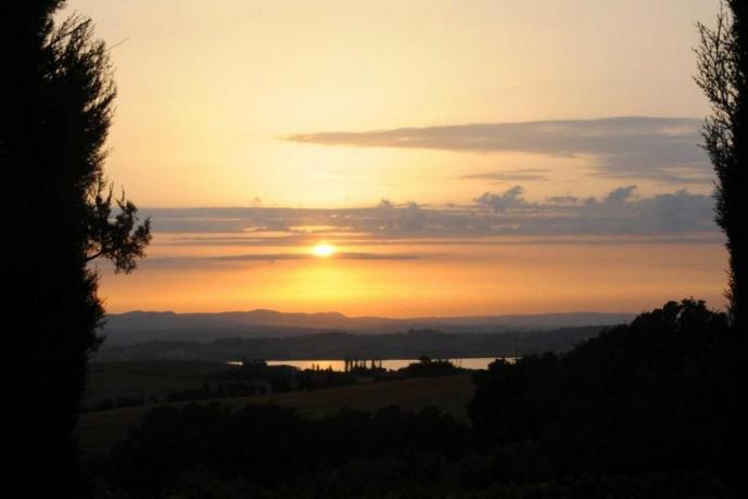 Villa vista Lago Trasimeno per gruppi e famiglie