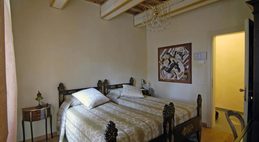 Una stanza doppia con letti separati