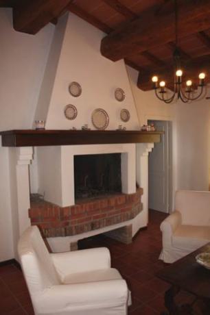 Salone con Camino, Appartamento al primo piano