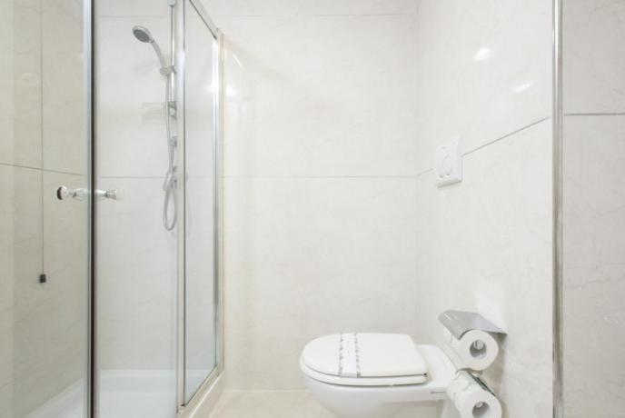 Hotel 4stelle vicino Rende, camere con doccia